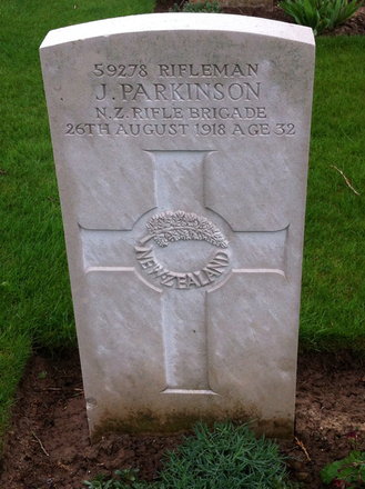 Headstone, Favreuil British Cemetery (photo Jo Larsen-Harris 2013) - No known copyright restrictions