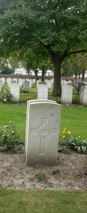 Gravestone, Cite Bonjean Military Cemetery (photo Rose Young 2007) - No known copyright restrictions