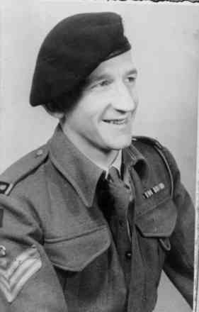 Portrait, Alan Sperry in uniform - This image may be subject to copyright