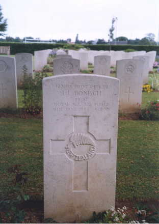 Headstone, Bayeux War Cemetery - This image may be subject to copyright