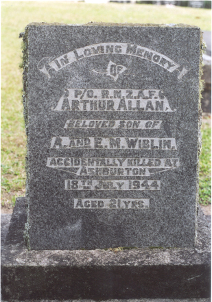 Headstone, Hukerenui Public Cemetery - This image may be subject to copyright