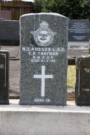 Headstone, Frank Robert Traynor (NZ402529), St Johns Presbyterian Church cemetery (photo John Halpin February 2013) - CC BY John Halpin