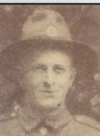 Portrait, Northland roll of honour and servicemen of WW II [electronic resource]. (2002) - This image may be subject to copyright