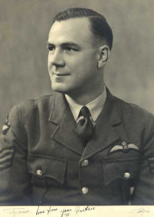 Portrait, WW2, Eric Perks in uniform. - This image may be subject to copyright