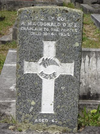 Headstone, Waikumete Cemetery (photograph S Lees February 15 2009) - No known copyright restrictions