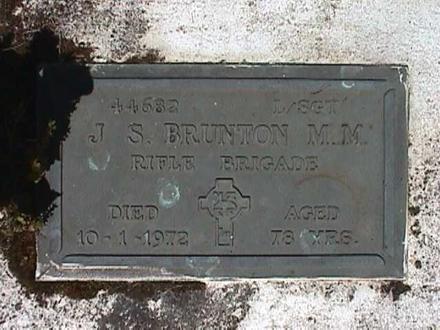 Headstone, Onetangi Cemetery (photo Paul Baker)Headstone, Onetangi Cemetery (photo Paul Baker) - No known copyright restrictions