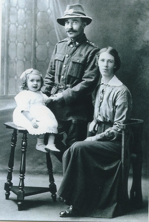 Family group, WW1 Emanuel Roderick (42405) his wife Florence and daughter Josephine (kindly provided by family) - No known copyright restrictions
