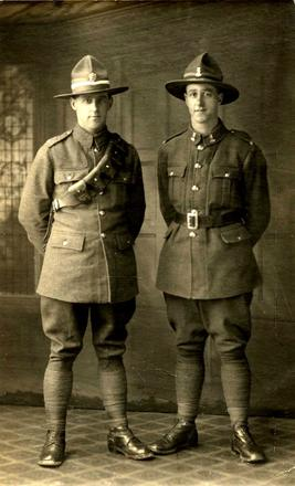 Family group, 2 soldiers, Stanley Cottingham (54843) is on the left, Edward Cottingham (76420) on the right. (photo kindly provided by family) - No known copyright restrictions