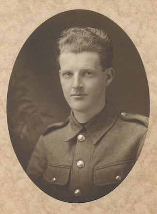 Portrait, WW1 Leonard Frank Broad (2/1504) (kindly provided by his son) - This image may be subject to copyright