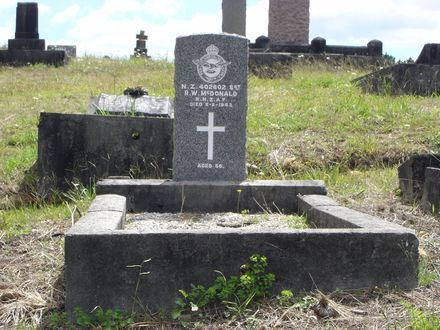 Headstone, Waikumete Cemetery (photograph S. Lees 15 February 2009) - No known copyright restrictions