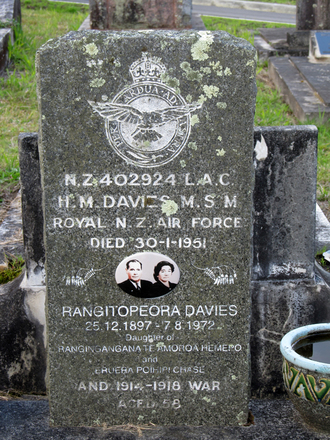 Gravestone at Waikumete Cemetery provided by Sarndra Lees August 2013 - This image may be subject to copyright