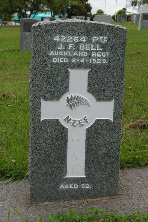 Headstone at Waikumete Cemetery (image provided by John Halpin 2012) - CC BY John Halpin