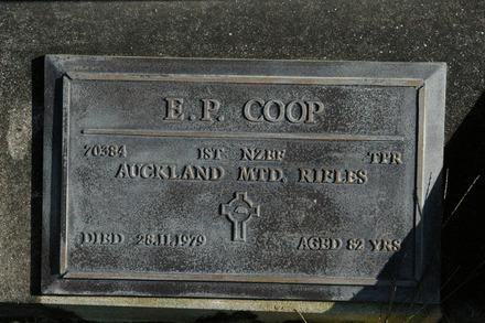 Headstone, Wellsford Cemetery (Photo John Halpin, 2011) - CC BY John Halpin