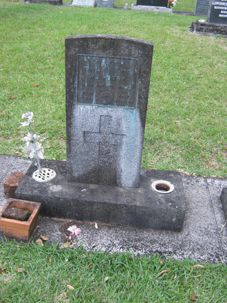 Headstone of William John Thomas HUMBY 79862, at [Onerahi Cemetery] - No known copyright restrictions