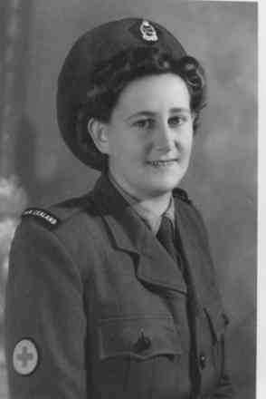 Portrait, Betty Mary Clements in uniform - This image may be subject to copyright