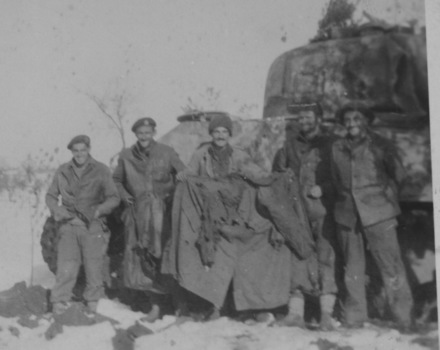 "Group, WW2, Armoured Regiment, 4 soldiers: Left to right ""Yogo"" Ashwell, Dick Bryce, Morrie Hiscock, Jack Matheson (81317) & Owen Chatterton with tank in Italy. - This image may be subject to copyright"