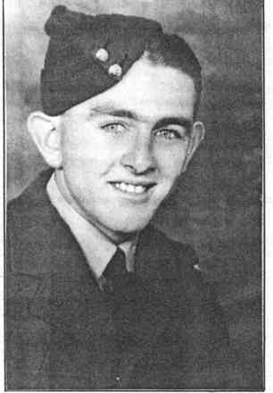 Colin Eric Fulljames portrait, Wellington in 1942 - This image may be subject to copyright