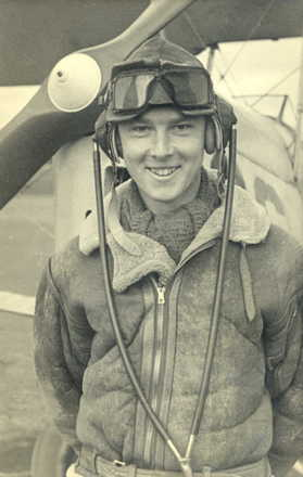 Portrait, Frederick John Fisher, taken while undergoing pilot training in New Zealand 1944. (family collection) - This image may be subject to copyright