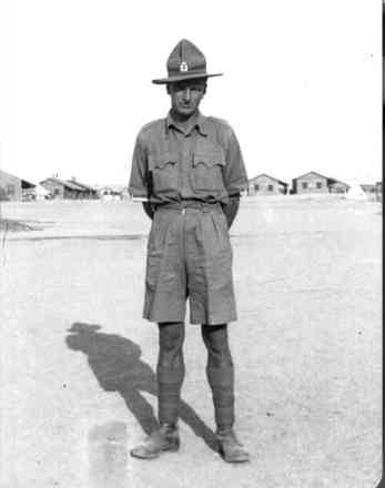 Portrait, WW2, standing at ease, Maadi Camp in Egypt, February 1941 - This image may be subject to copyright