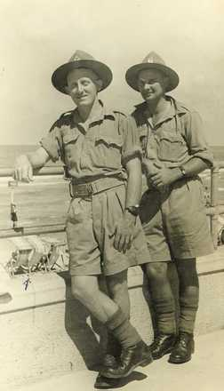 Group, WW2 2 soldiers, L - Right: Roy and Gordon Verdon, ME 2.9.1941 - This image may be subject to copyright