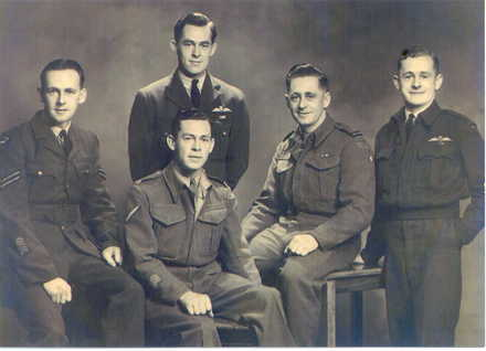 Family group, WW2, 5 Twiname brothers in uniform. Standing (l to r): Roy Harry (NZ414361), Owen Arnold (415043); Seated (l to r): Bruce Alexander, Noel Eric (72638), Barry George (28225) - This image may be subject to copyright