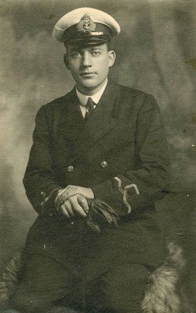Portrait, kindly provided by the Navy Museum (Copyright © Royal New Zealand Navy Museum. Photo number ABX 0034. All enquiries for use: https://forms.nzdf.mil.nz/navy/museum/contactform.asp )
