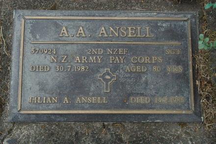 Headstone, Waikumete Cemetery (photo J. Halpin 2011) - This image may be subject to copyright