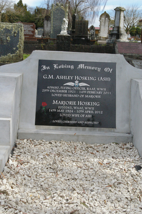 Headstone, Pukekohe Cemetery - This image may be subject to copyright
