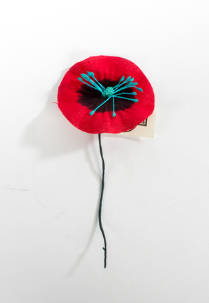 Porter; Anzac poppy; 2014.21.29