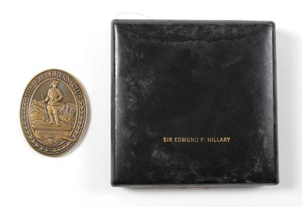 Explorers' Club Medal: SirE Hillary, [2014.7.33]