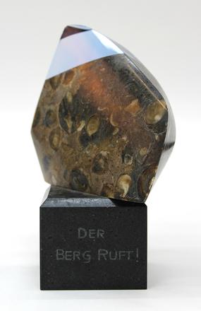 presentation piece, Der Berg Ruft 2014.7.103