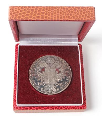 coin and case, award