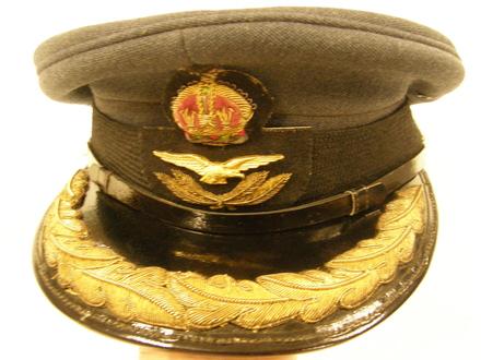 peaked cap U048.2