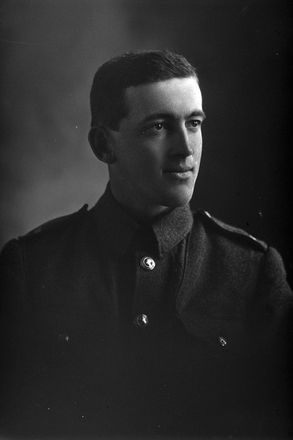 1/4 portrait of J Arneil. Probably Rifleman Jack Caradus Arneil, Reg No 24/35, of the New Zealand Rifle Brigade, 2nd Battalion, A Company. (Photographer: Herman Schmidt, 1916). Sir George Grey Special Collections, Auckland Libraries, 31-A34. No known copyright.