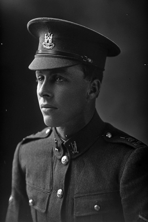 1/4 portrait of Lance-Corporal Ernest Robert Baker, Reg No 46260, Auckland Infantry Regiment, - A Company, 25th Reinforcements. (Photographer: Herman Schmidt, 1917). Sir George Grey Special Collections, Auckland Libraries, 31-B2667. No known copyright.