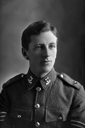 1/4 portrait of Sergeant Leslie Rotorua Darrow, Reg No 12/920, of the 3rd (Auckland) Regiment, Auckland Infantry Battalion. Killed in action at Gallipoli 10 Aug 1915. (Photographer: Herman Schmidt, 1915). Sir George Grey Special Collections, Auckland Libraries, 31-D357. No known copyright.