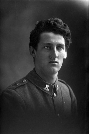 1/4 length portrait of Trooper Samuel Boler, Reg No 62242, New Zealand Mounted Rifles, - 32nd Reinforcements (Photographer: Herman Schmidt, 1917). Sir George Grey Special Collections, Auckland Libraries, 31-B3566. No known copyright.