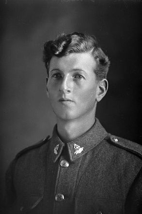 1/4 portrait of Private Thomas Edward Clough, Reg No 38876, of the Specialist Company, - Machine-gun section. 23rd Reinforcements. (Photographer: Herman Schmidt, 1917). Sir George Grey Special Collections, Auckland Libraries, 31-C2237. No known copyright.