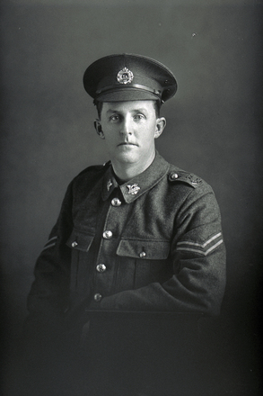 3/4 portrait of Lance Sergeant Walter Seelye Dempsey of the 27th Reinforcements, E Company. (Photographer: Herman Schmidt, 1917). Sir George Grey Special Collections, Auckland Libraries, 31-D3094. No known copyright.