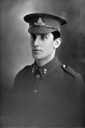 1/4 portrait of Gunner E McGowan of the New Zealand Field Artillery (Photographer: Herman Schmidt, 1916). Sir George Grey Special Collections, Auckland Libraries, 31-G2376. No known copyright.