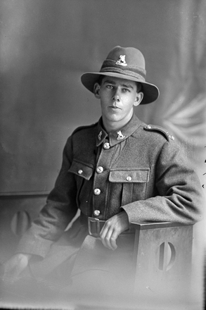 3/4 portrait of Trooper Hayr, probably Trooper Hubert Henry Heron Hayr, New Zealand Mounted Rifles, 37th Reinforcements (Photographer: Herman Schmidt, 1918). Sir George Grey Special Collections, Auckland Libraries, 31-H3754. No known copyright.