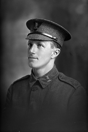 1/4 portrait of Sergeant G N Hill of the New Zealand Rifle Brigade (Photographer: Herman Schmidt, 1916). Sir George Grey Special Collections, Auckland Libraries, 31-H601. No known copyright.