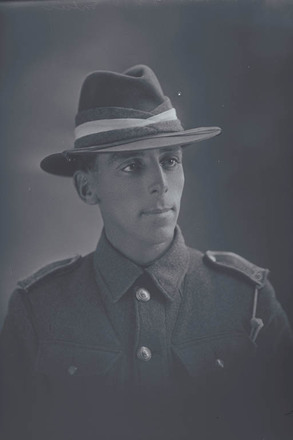1/4 portrait of Private Albert (Bert) Stainton, of the New Zealand Army Service Corps. (Photographer: Herman Schmidt, 1916). Sir George Grey Special Collections, Auckland Libraries, 31-S1132. No known copyright.