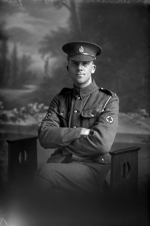 3/4 portrait of Private Alfred Stainton of the New Zealand Medical Corps. (Photographer: Herman Schmidt, 1916). Sir George Grey Special Collections, Auckland Libraries, 31-S1133. No known copyright.