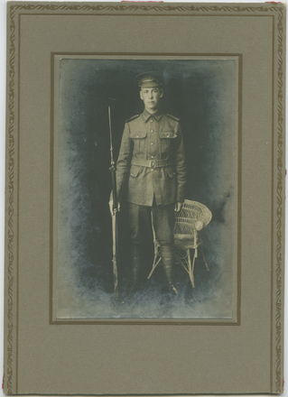Unknown, photographer. (ca. 1914). Leddra Le Gallais, killed Gallipoli 23.7.1915 aged 29. Auckland War Memorial Museum – Tāmaki Paenga Hira. PH-1995-2-20. Image has no known copyright restrictions.
