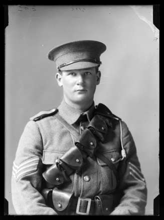 Sergeant Edgar Allen Hammond (1894 - 1970) (Serial No. 7/928 and 1/18/2305).  Nelson Provincial Museum, Tyree Studio Collection: 85041. Image has no known copyright restrictions.