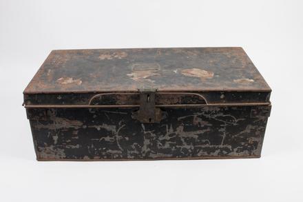 trunk, tin U177.9
