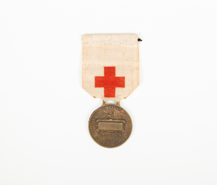 Medal of Association of French Women, 2006.4.10