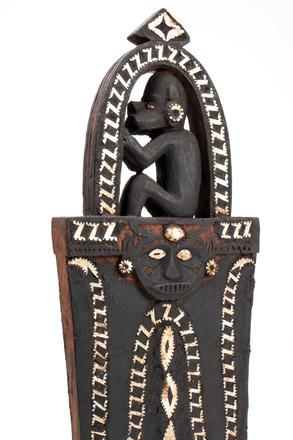 canoe ornament; 7342; 1925.217