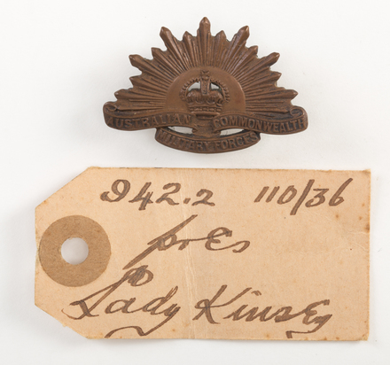 badge, regimental W0942.2